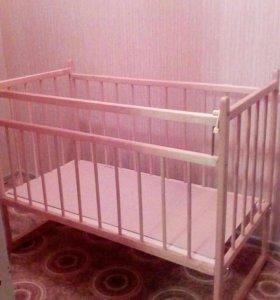 Кроватка детская с кокосовым матрасом.