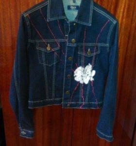 Джинсовая куртка М