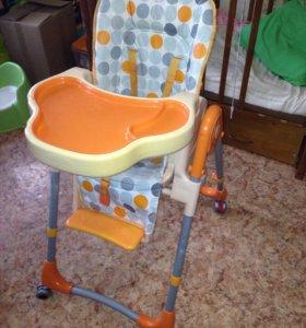 продам стульчик для кормления ребёнка с чехлом