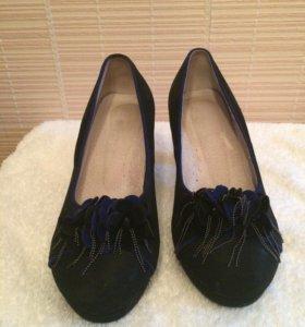 Туфли на небольшом каблучке