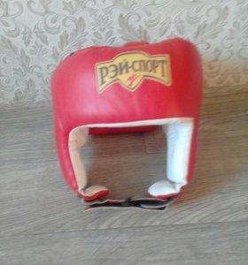 Шлем открытый.