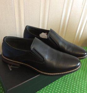 Новые туфли 43 р