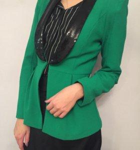 Стильный пиджак размера размера S-M