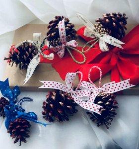 Декоративные шишки, новогодние игрушки из шишек
