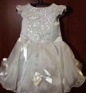 Платье для девочки 3-4 лет.