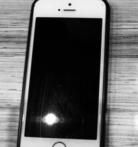 iPhone 5S 16Gb белый и IPhone 5 32Gb чёрный