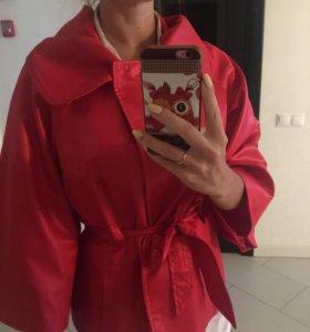 Красная курточка