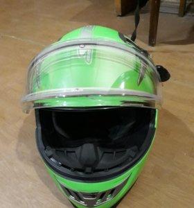 Продаю снегоходный шлем состояние нового
