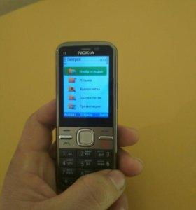 Продаю телефон почти новый