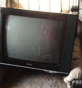 Телевизор в отличном состояние в все имеится тор