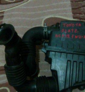 Корпус воздушного фильтра тойота платз NCP12