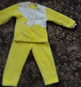 Махровый костюм на 5 - 6 лет