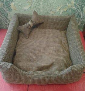 Лежанка для кошек и собак.