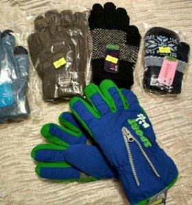 Новые детские перчатки и варежки.