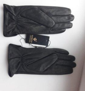 Новые кожаные перчатки мужские фирмы Edmins