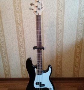 Бас- гитара Rockdale SPB-204M-BK