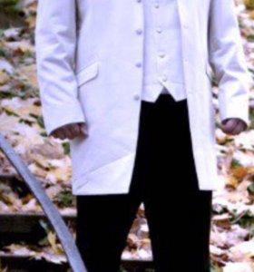 Мужской свадебный костюм тройка( сюртук)