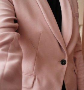 Розовый пиджак Zara