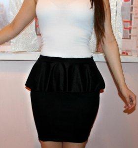 Классическая черная юбка с баской