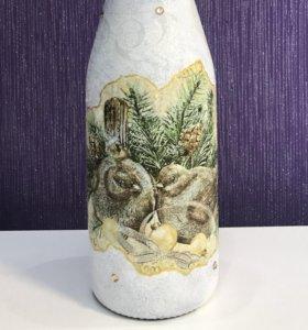 Оформленная бутылка праздничная
