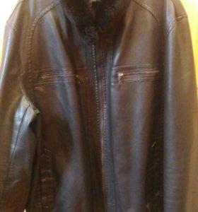 Куртка с воротником из натурального меха б/у