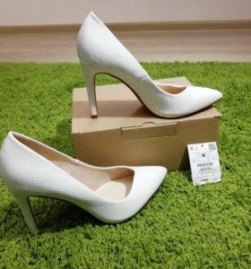 Туфли белые р. 37-38