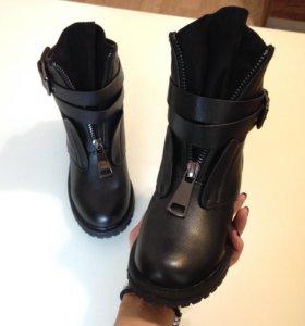 Ботинки с молнией (36-40)