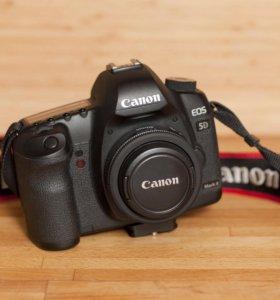 Зеркальная фотокамера Canon EOS 5D Mark II