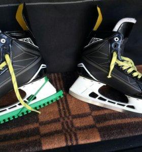 Коньки хоккейные BAUER supreme s150