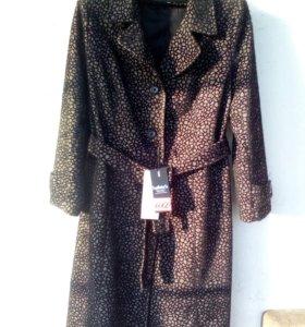 Продам демисезонное пальто новое