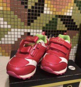 Новые кроссовки Jomoto