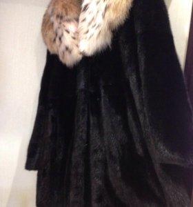 Шуба норковая с капюшоном из рыси!!!
