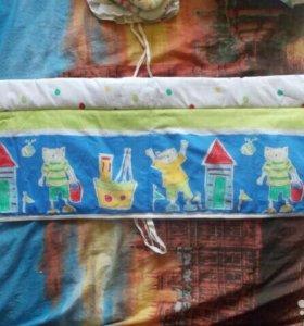 Набор бортиков в кроватку с балдахином и карманом.