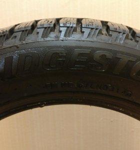 Bridgestone Blizzak Spike-01 215/55R16 93T