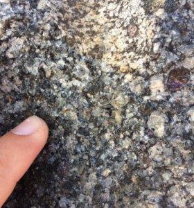 Камни мраморные и гранитные, цена за все 3 камня!