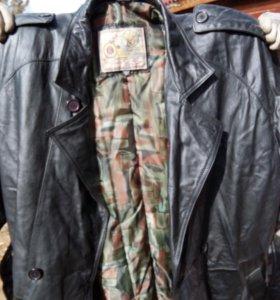 Кожаное пальто производства Корея, на р.52-54