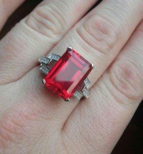 серебряное кольцо с рубином