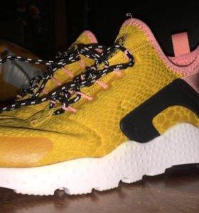 Кроссовки Nike Air Huarache Premium Yellow