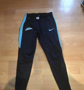 Продам штаны Nike тренировочные зауженные