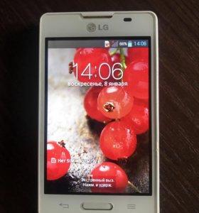 Телефон LG-E440