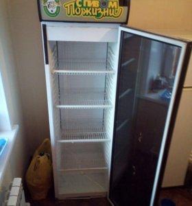 Шкаф холодильный, витрина для напитков