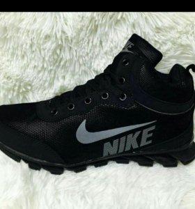 Новые мужские кроссовки зима