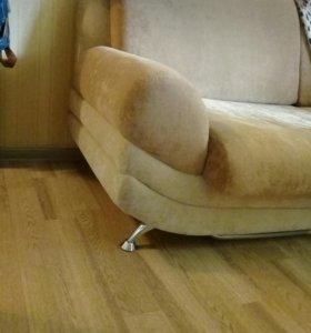Диван-кровать для гостинной или комнаты отдыха
