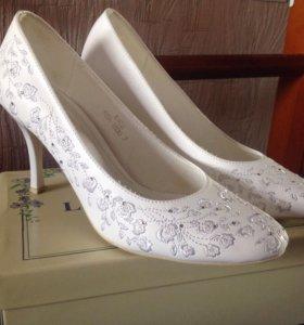 Туфли белые свадебные 38 размер