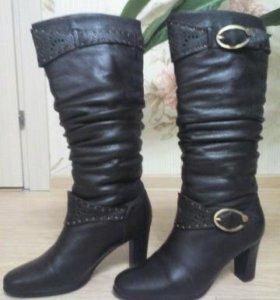 Темно-коричневые кожаные зимние сапоги