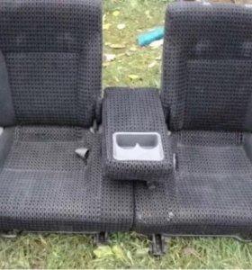 Продам сидений на Хонда Стрим