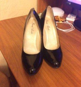 Женские туфли, 38 размер