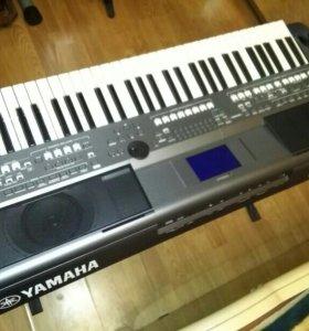 Синтезатор/рабочая станция Yamaha PSR S 670