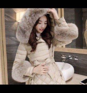 Пальто,куртка пуховик женская