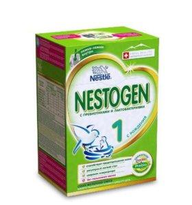 Сухая молочная смесь Nestogen 1 (c рождения)700г